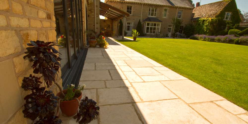 Flagstones installation in Oxfordshire