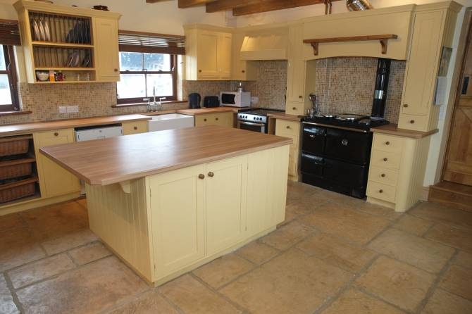 Flagstones are the ideal hard wearing floor for your kitchen